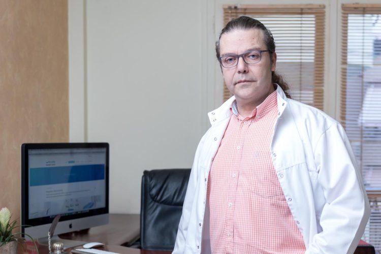 Ο Oδοντίατρος Γιώργος Βαρδάκης